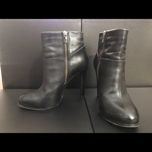 Tory Burch Black Leather Ankle Boots 8